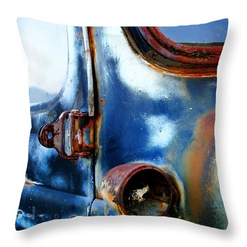 Old Car Throw Pillow by Henrik Lehnerer