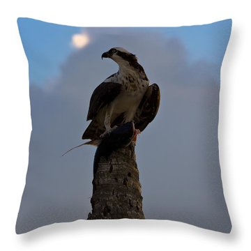 Osprey With Catch Throw Pillow