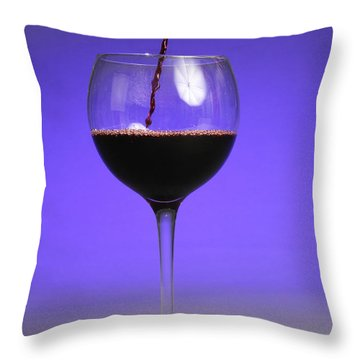 Pouring Wine Throw Pillow by Photo Researchers, Inc.