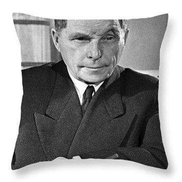 Ilyushin Throw Pillows