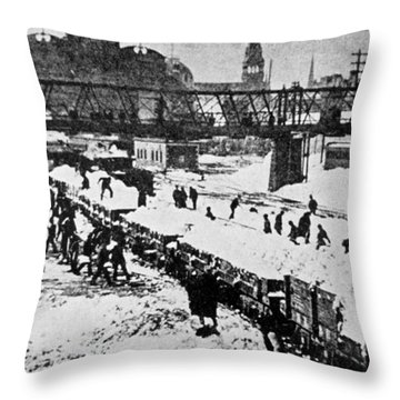 The Great Blizzard, Nyc, 1888 Throw Pillow by Science Source