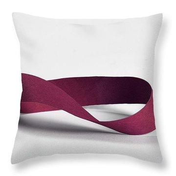 M�bius Strip Throw Pillow