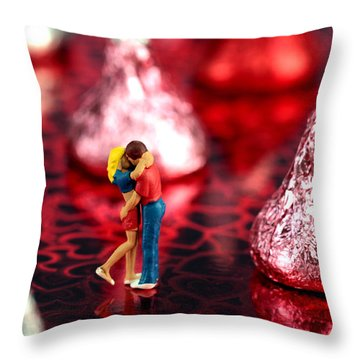 The Lovers In Valentine's Day Throw Pillow by Paul Ge