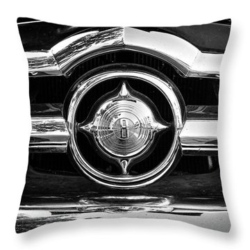 8 In Chrome - Bw Throw Pillow