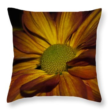 Autumn Mum Throw Pillow