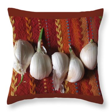 Blooming Garlic Bulbs Throw Pillow