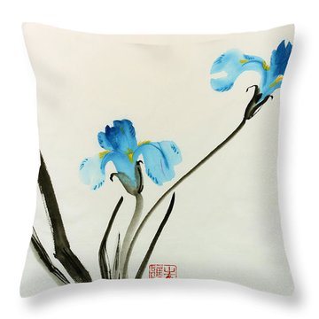 blue iris II Throw Pillow