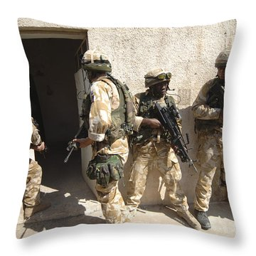 British Troops Training In Iraq Throw Pillow by Andrew Chittock