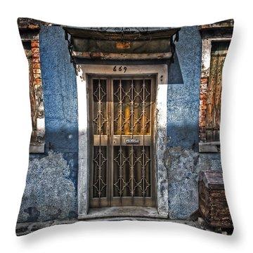 Burano - Venezia Throw Pillow by Joana Kruse