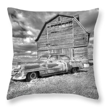 Bw - Rusty Old Cadillac Throw Pillow