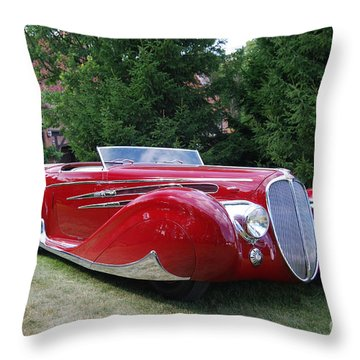 Car At Meadowbrook Throw Pillow by Grace Grogan