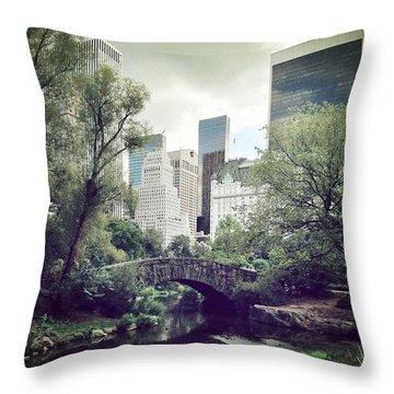 Newyork Throw Pillows