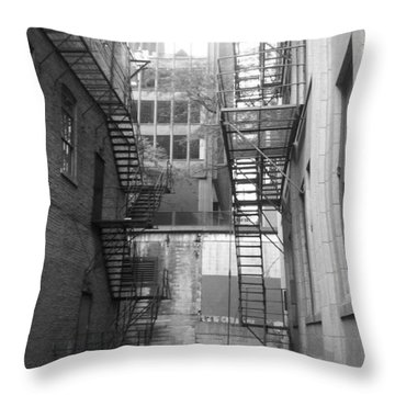 Chicago 1 Throw Pillow