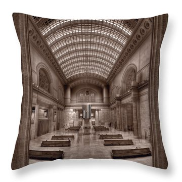 Chicagos Union Station Bw Throw Pillow by Steve Gadomski