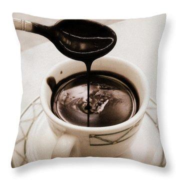 Cioccolata Calda Throw Pillow