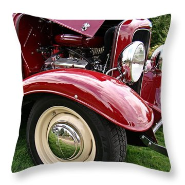 Throw Pillow featuring the photograph Classic Ford by Nick Kloepping