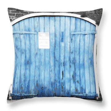 Colorful Blue Garage Door French Quarter New Orleans Color Splash Black And White And Diffuse Glow Throw Pillow