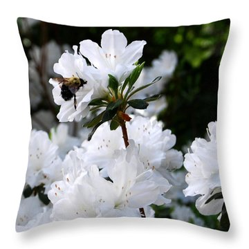 Covered In Pollen A Bee At Work Throw Pillow by Linda Mesibov