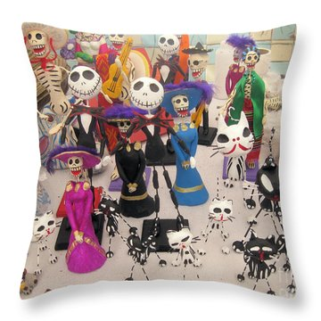 Day Of The Dead 3 Throw Pillow