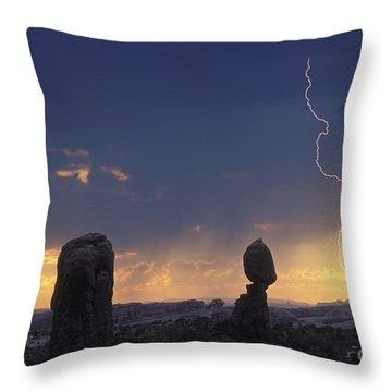 Desert Storm - Fs000484 Throw Pillow by Daniel Dempster