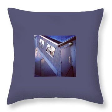 Sciencefiction Throw Pillows