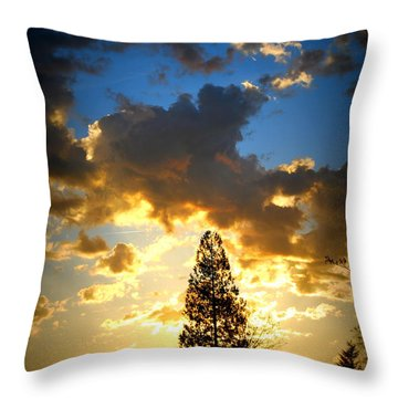 Dramatic Sunrise II Throw Pillow