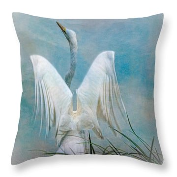 Egret Preparing To Launch Throw Pillow