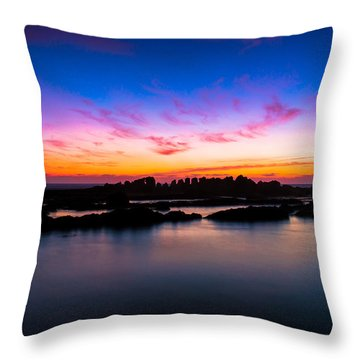 Figures To Sunset Throw Pillow