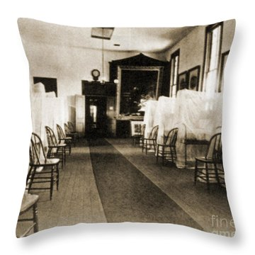 First Aid Hospital Exhibit, 1876 Throw Pillow by Science Source