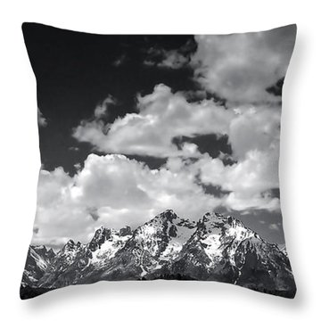 Grand Tetons Panorama In Monochrome Throw Pillow