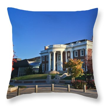 Hunter Museum In Autumn Throw Pillow