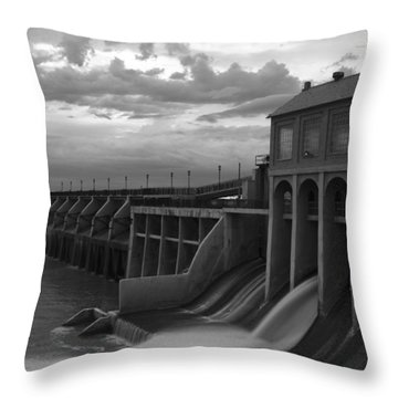 Hydro Flow II Throw Pillow