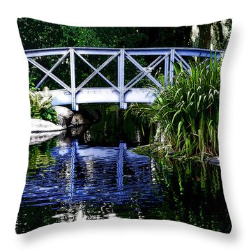 Kalmar Reflection Throw Pillow