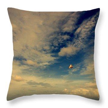 Kite At Folly Beach Near Charleston Sc Throw Pillow by Susanne Van Hulst