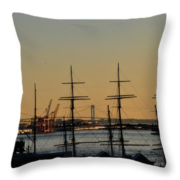 Light Before Sunset From The Brooklyn Bridge Throw Pillow by Diane Lent