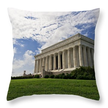 Lincoln Memorial And Sky Throw Pillow