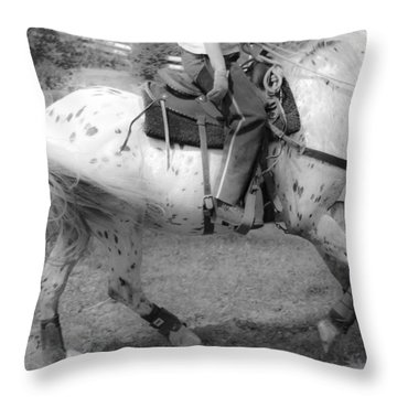 Lope Throw Pillow