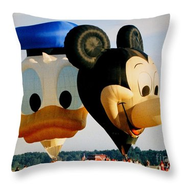 Mickey And Donald I Throw Pillow