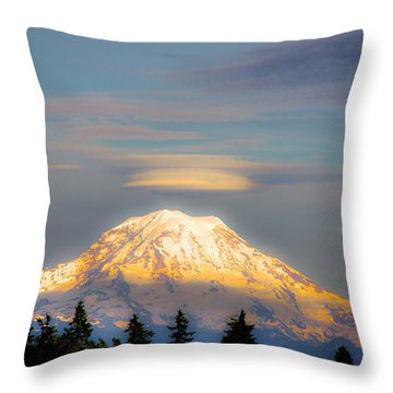 Mt Rainier Sunset With Lenticular Clouds Throw Pillow by David Patterson
