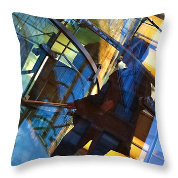 New York Apple Throw Pillow