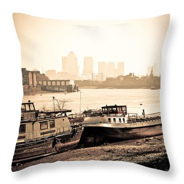 Throw Pillow featuring the photograph Old And New London Town by Lenny Carter