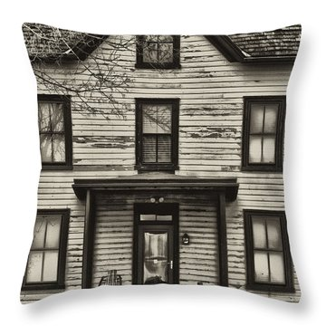 Pawlings Farm Throw Pillow by Bill Cannon