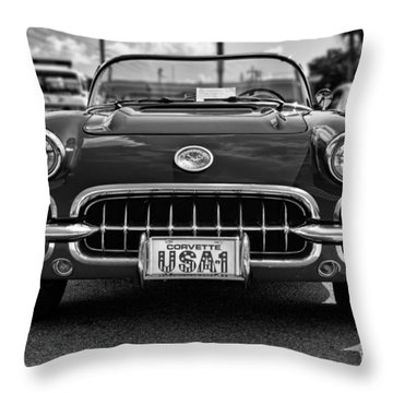 Pretty In Red - Bw Throw Pillow