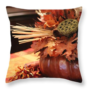 Pumpkin Leaf Decor Throw Pillow