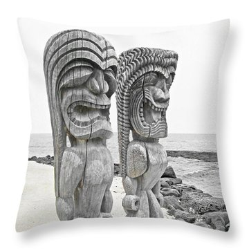 Throw Pillow featuring the photograph Pu'uhonua O Honaunau National Park On The Big Island Of Hawaii by Kerri Ligatich