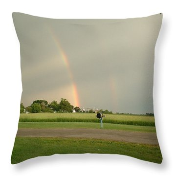 Throw Pillow featuring the photograph Ray Bow by Bonfire Photography