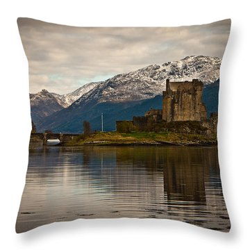 Reflection At Eilean Donan Throw Pillow