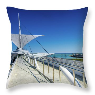 Santiago's Briese Soleil Throw Pillow