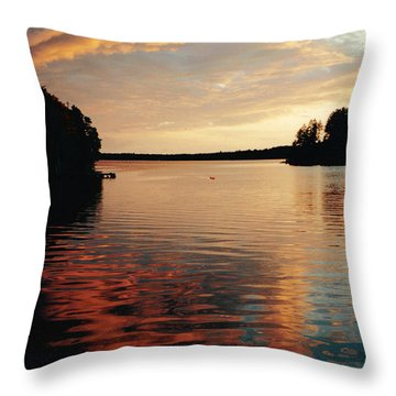 Throw Pillow featuring the photograph Setting Sun by Patricia Hiltz