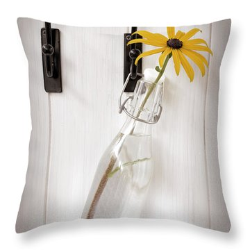 Single Rudbeckia Flower Throw Pillow by Amanda Elwell